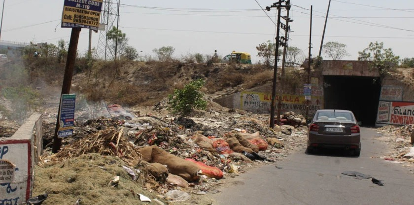 RESIDENT SPEAK: Authorities don't bother to check garbage burning in Ghaziabad