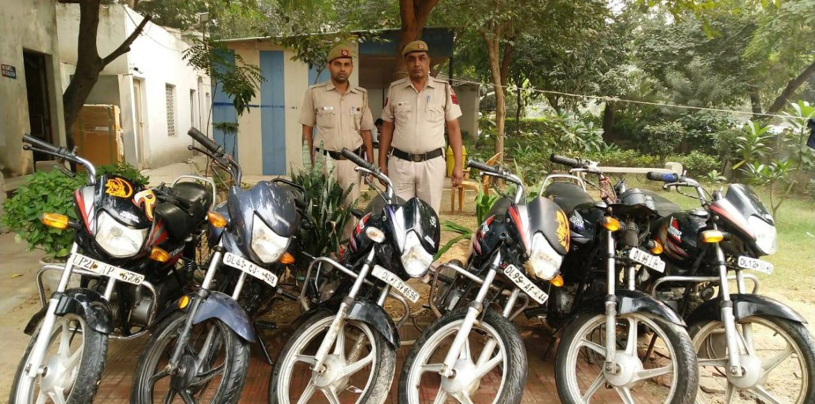 Dwarka police arrests 14-year-old auto lifter; recovers six bikes