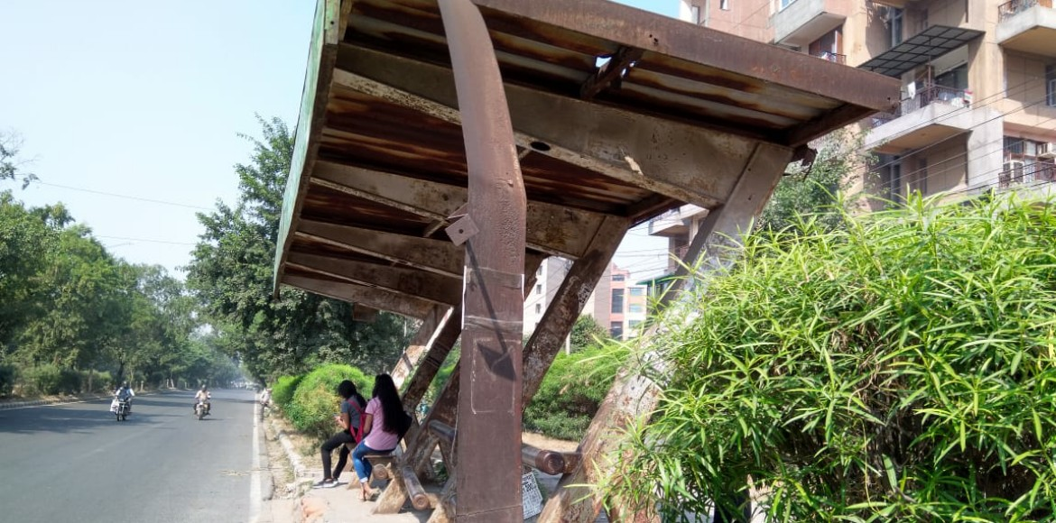 Bus stops in Dwarka suffering from administrative