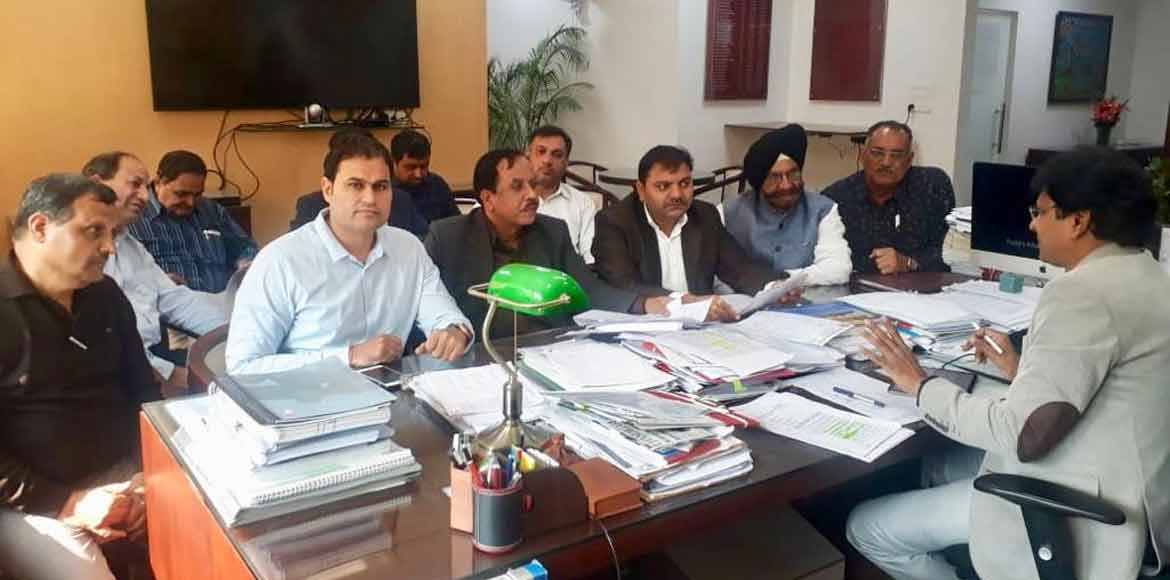 Gurugram: RWA body meets officials for solution to