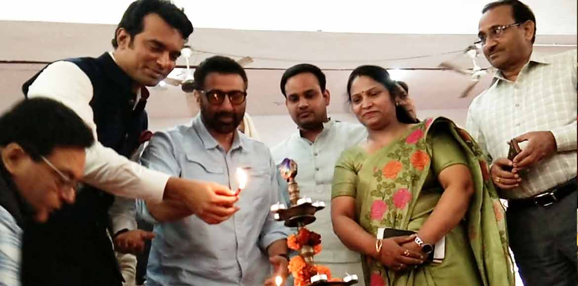 Sunny Deol attends awareness session at girls school in Dilshad Garden