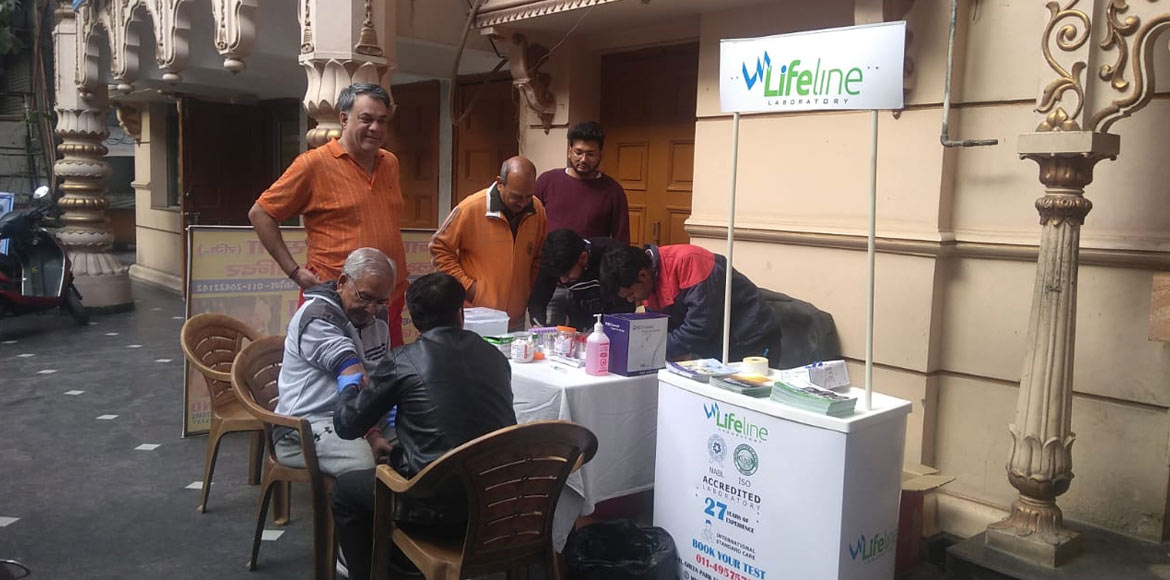 Lifeline Lab reaches out to E Block of Kalkaji