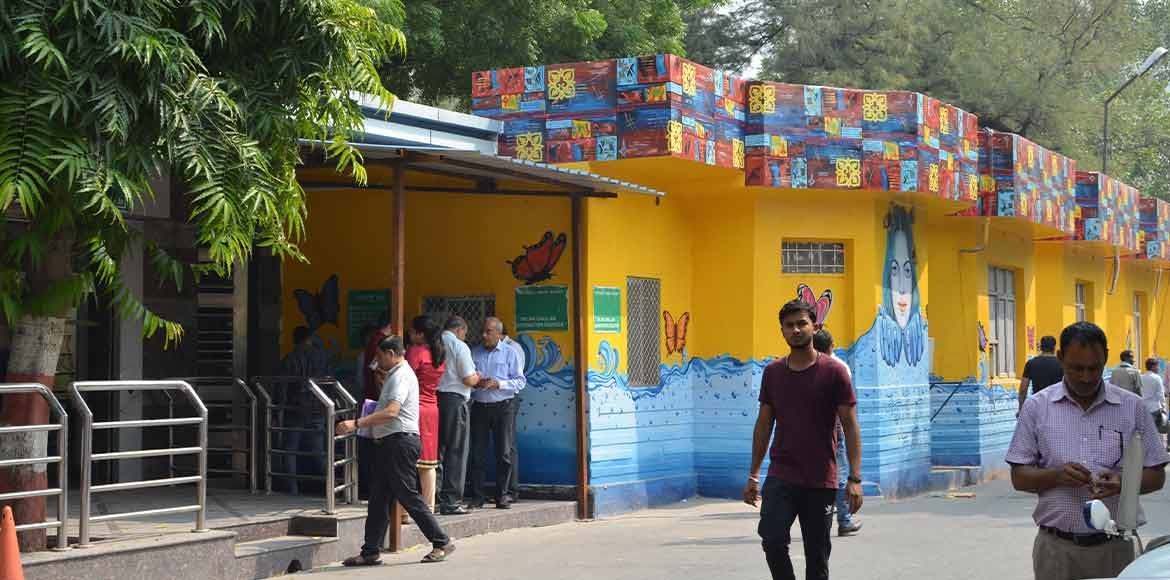 Noida Authority to equip community centres with sanitary napkin vending machines