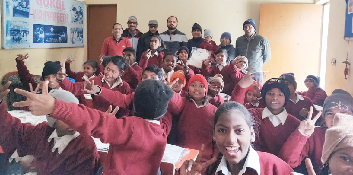Saya Zion Samaritans distribute school uniforms to needy in spine-chilling cold