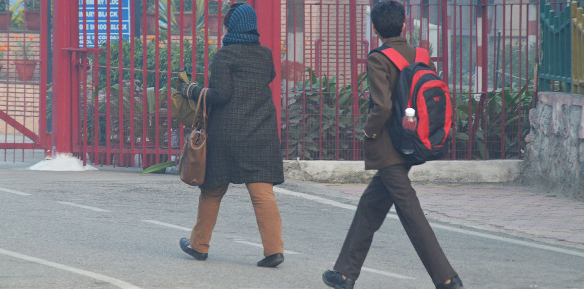 Kids exposed to morning chill even as schools await closure orders