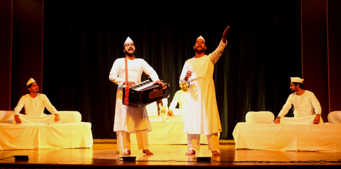 Play in Dwarka on Guru Nanak Dev in dastangoi styl