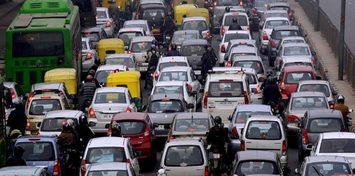 Kejriwal promises to solve Delhi traffic congestio