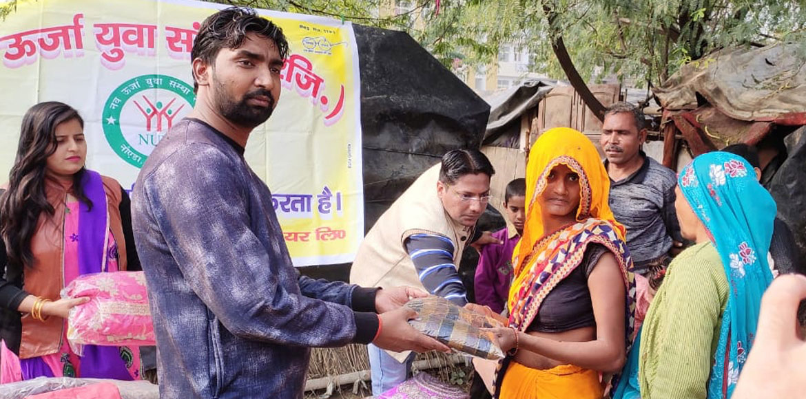 Noida-based youths' organisation distributes woole