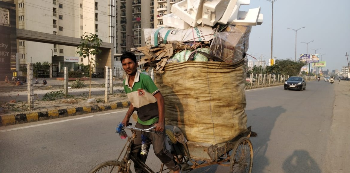 42 rag-pickers booked for littering Noida roads