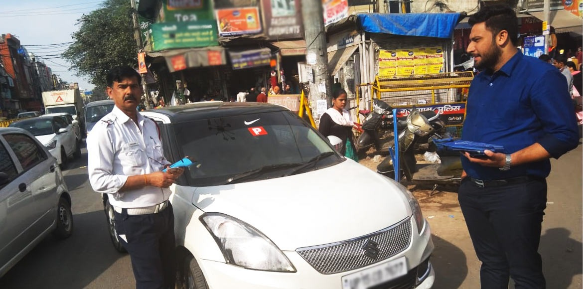 Gurugram traffic police carries out drive against