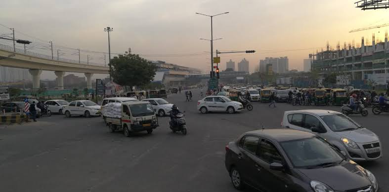 Noida: Sec 71 intersection closed for underpass work, traffic diversion in place
