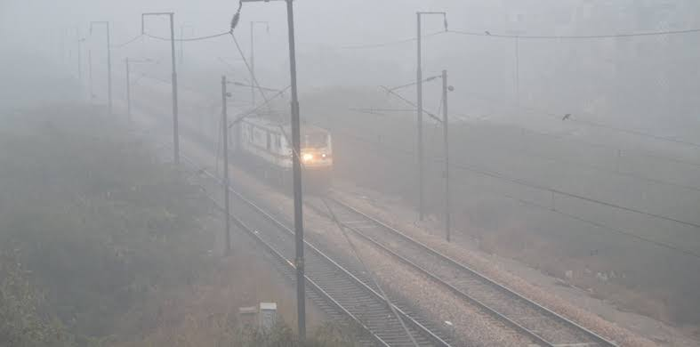 Flights and trains hit as fog engulfs Delhi-NCR