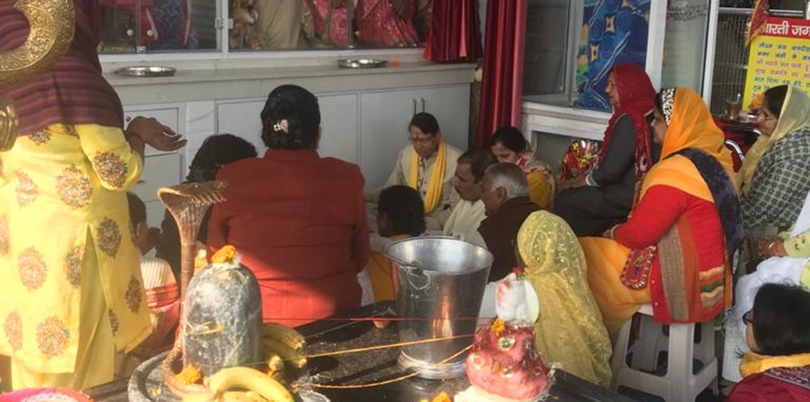 Mapsko Casa Bella: Residents worship Goddess Saras