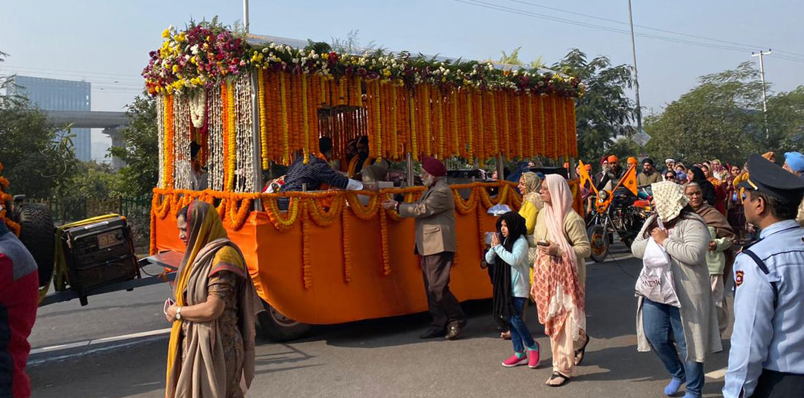 Noida: Nagar Kirtan taken out in Sec 137 on Guru Gobind Singh Jayanti