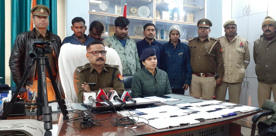 Cops arrest five suspected mobile snatchers from Greater Noida