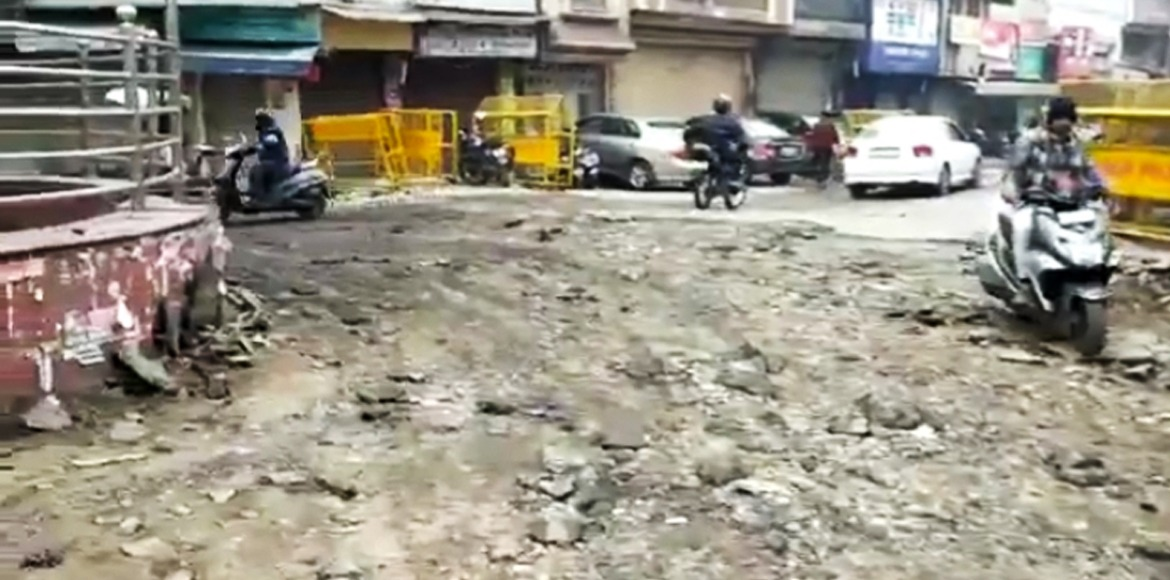 Broken road becomes an election issue