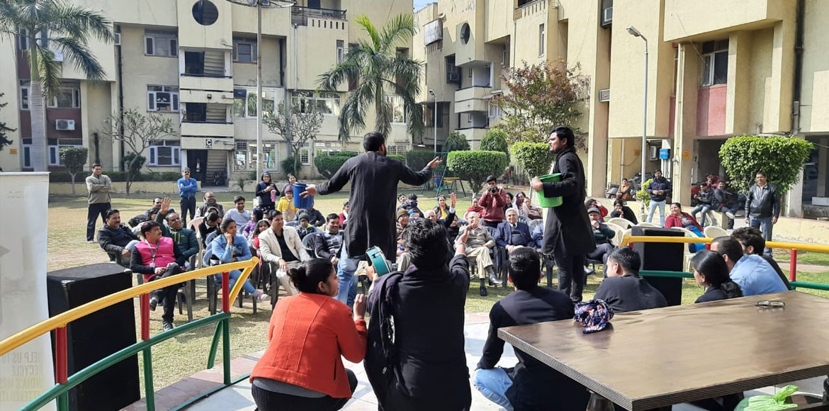 Promoting waste management through street play