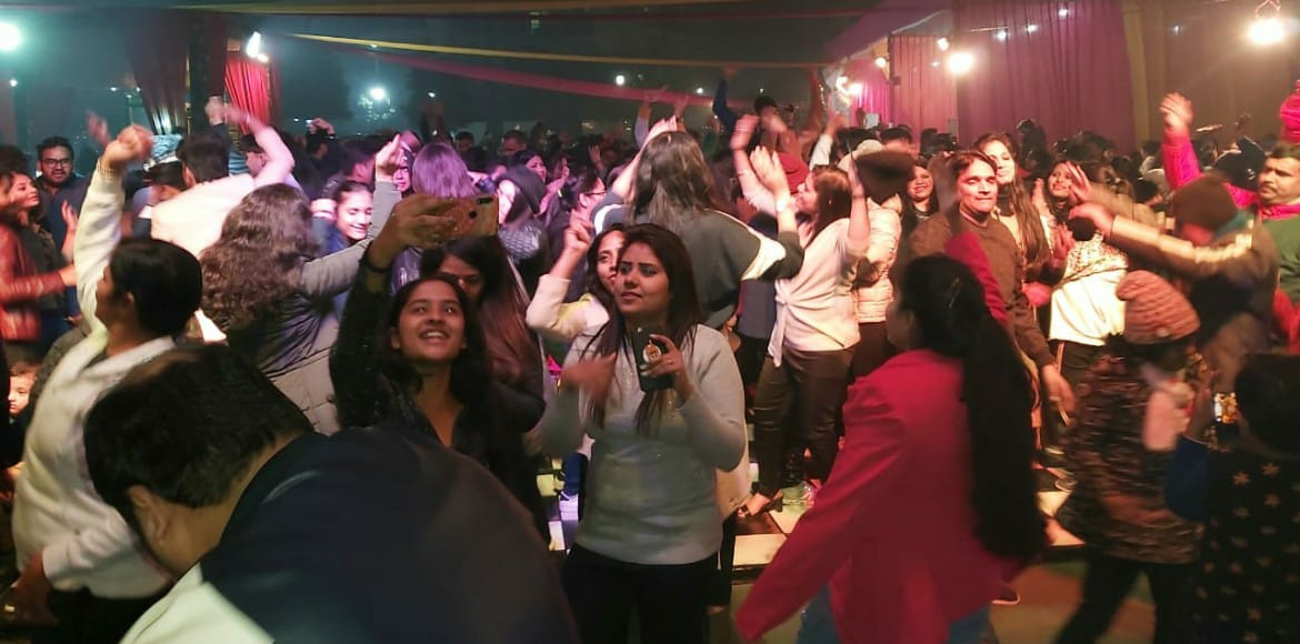 Gaur City: Residents ring in new year with celebrations galore