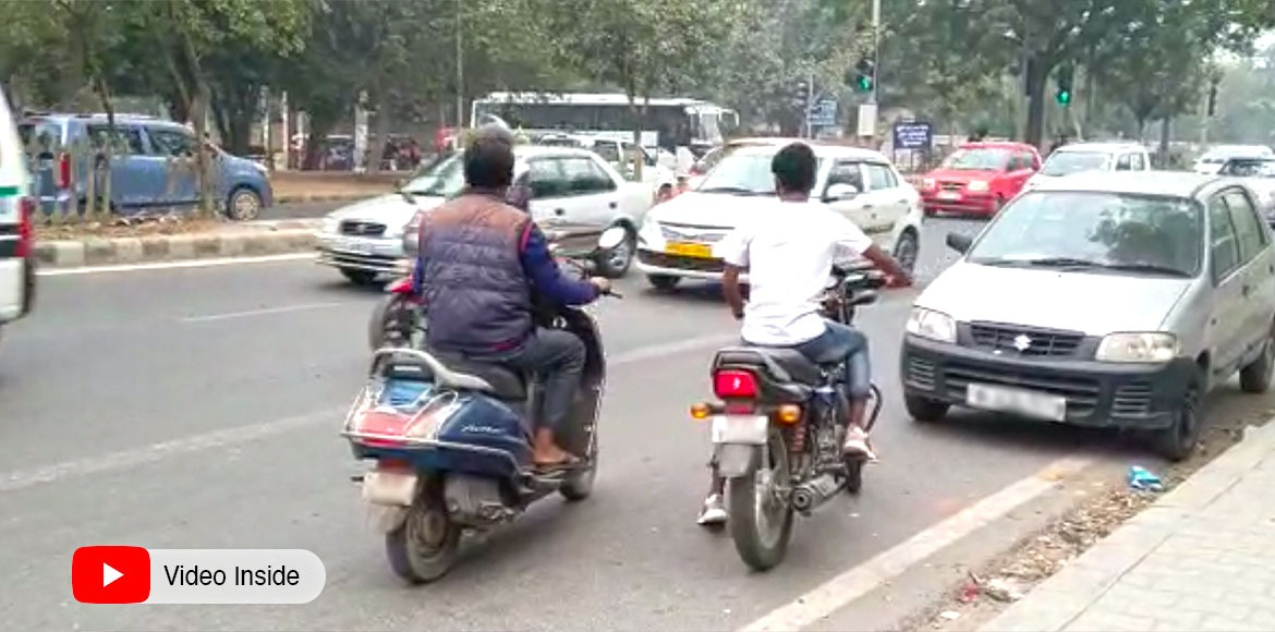 Video | Bikers in habit of riding on wrong side at Dwarka