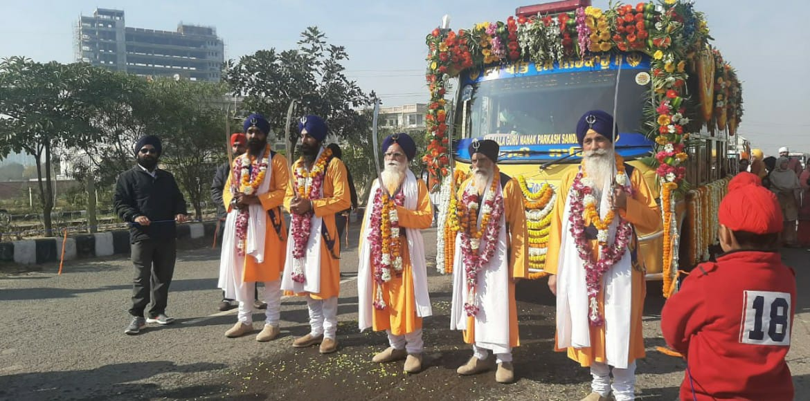Faiths of all hues meet at Guru Gobind procession in New Gurugram