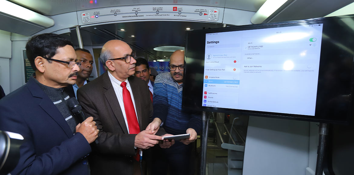 Enjoy free WiFi services while travelling on Metro's Airport Line