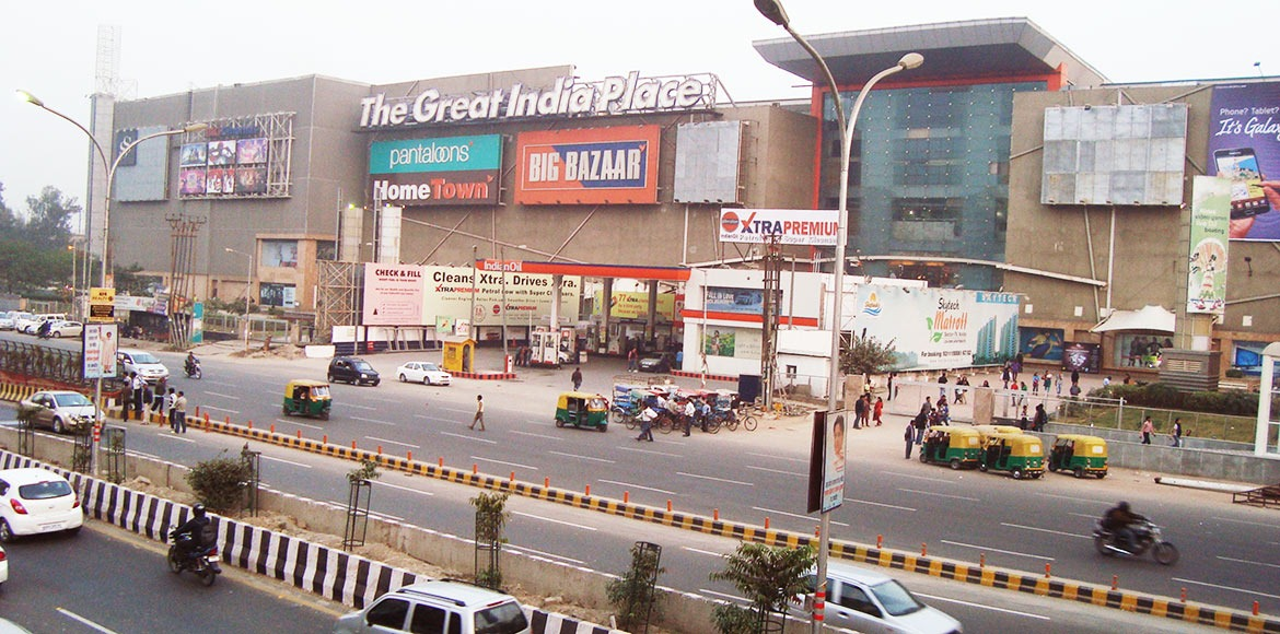 Residents share concern over illegal occupancies at malls with Noida Authority