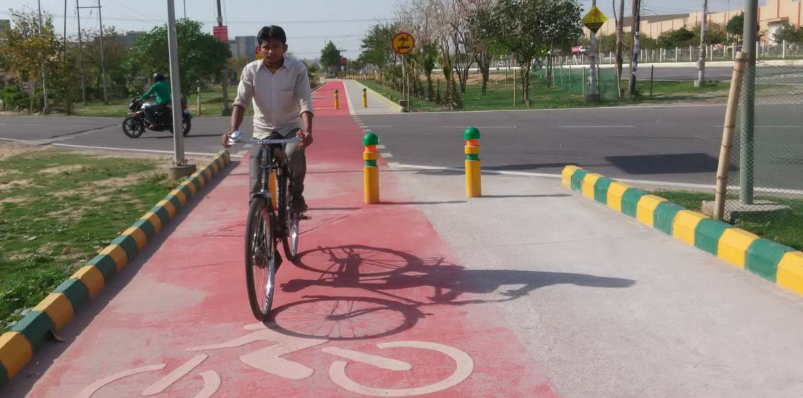 NOFAA requests Noida Authority to promote cycling by revamping tracks