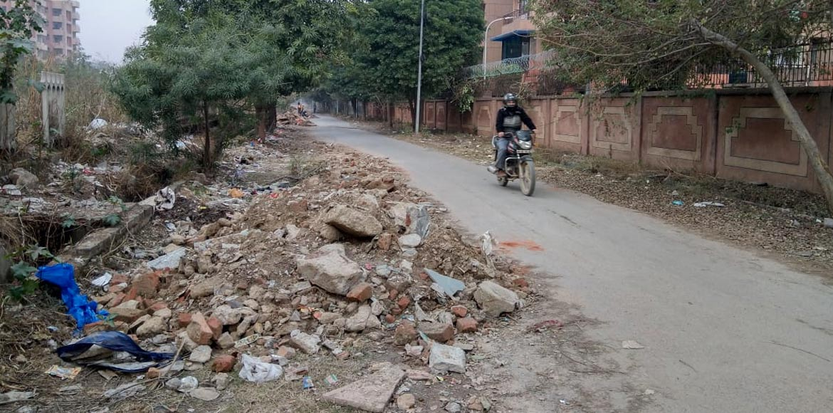 Dwarka Sector 3 back lanes turn dump yards for debris; authorities turn a blind