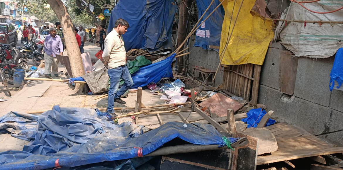 DDA carries out anti-encroachment drive at Mayur Vihar III