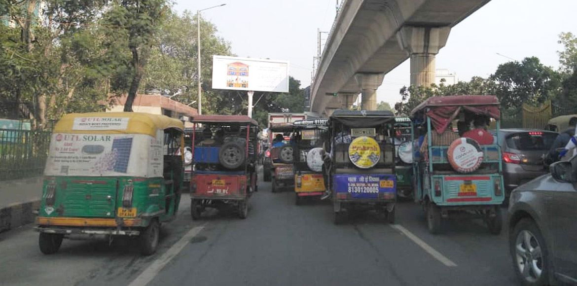 GB Nagar: Unruly e-rickshaw drivers add to traffic