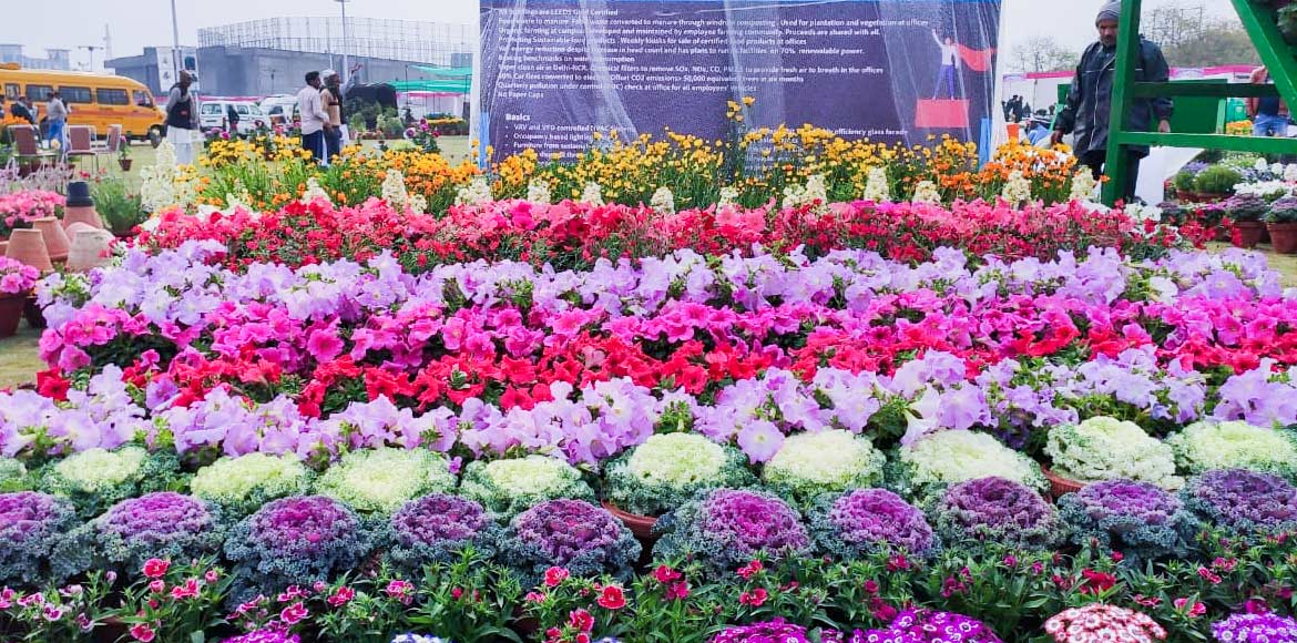 Nature lovers, Noida Flower Show beckons you with all its traditional appeal