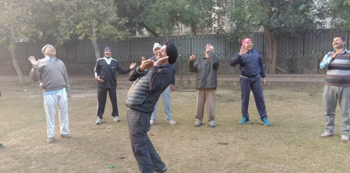 Morning walkers in Dwarka laugh, laugh for a healthy reason