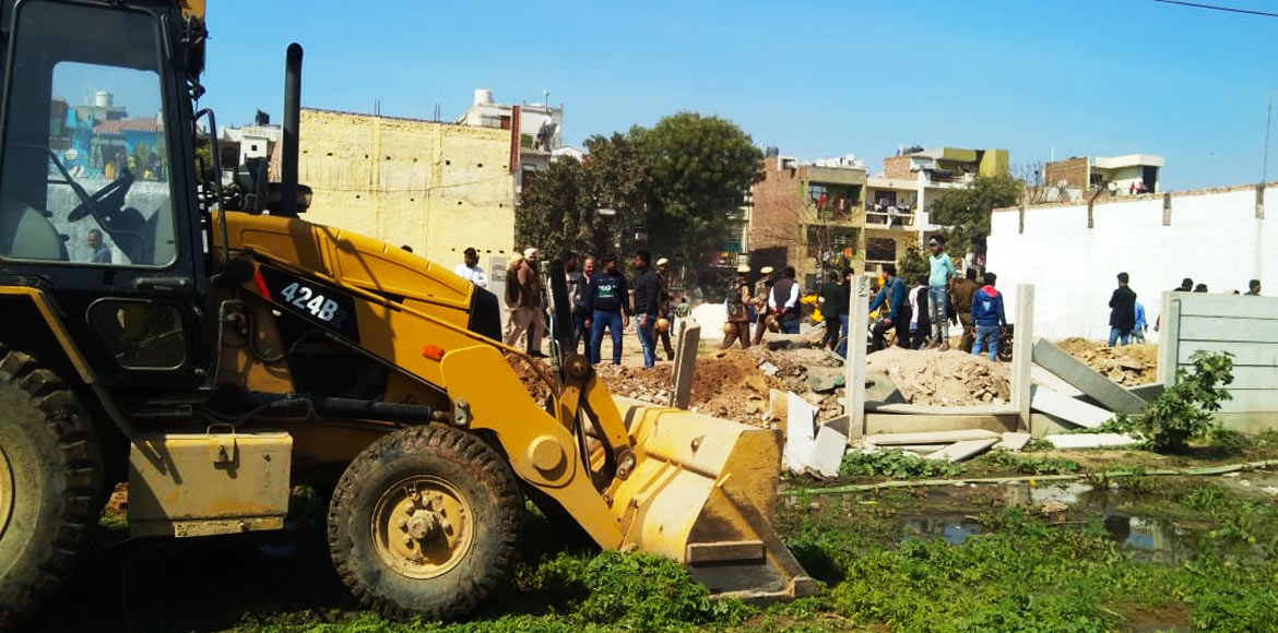 MCG demolishes under-construction illegal colony at Shakti Park