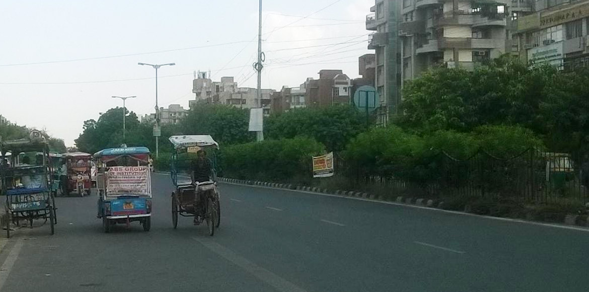 Cycle, battery rickshaws create traffic mess aroun
