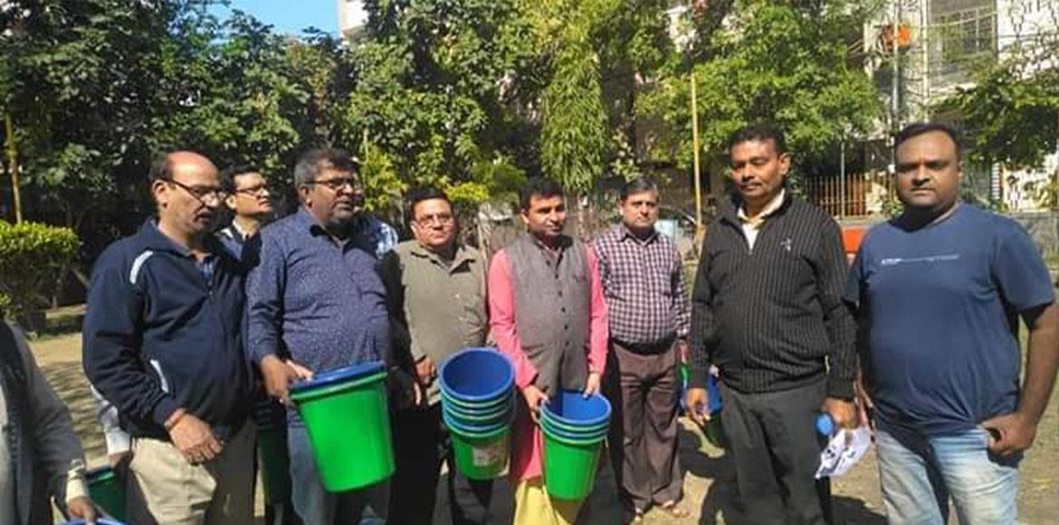 Krishna Nagar residents given separate dustbins for proper waste segregation