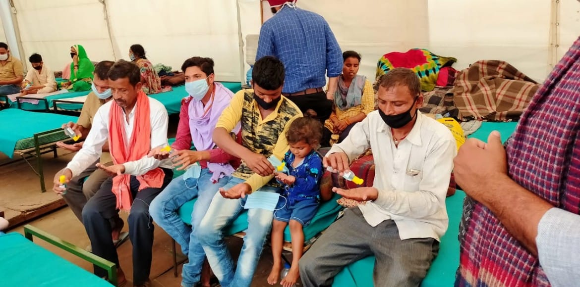 AIIMS doctors distribute masks and sanitisers in s
