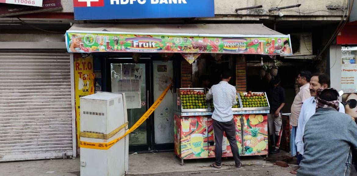 Brave juice seller dodges bullet to prevent ATM robbery at Nehru Nagar