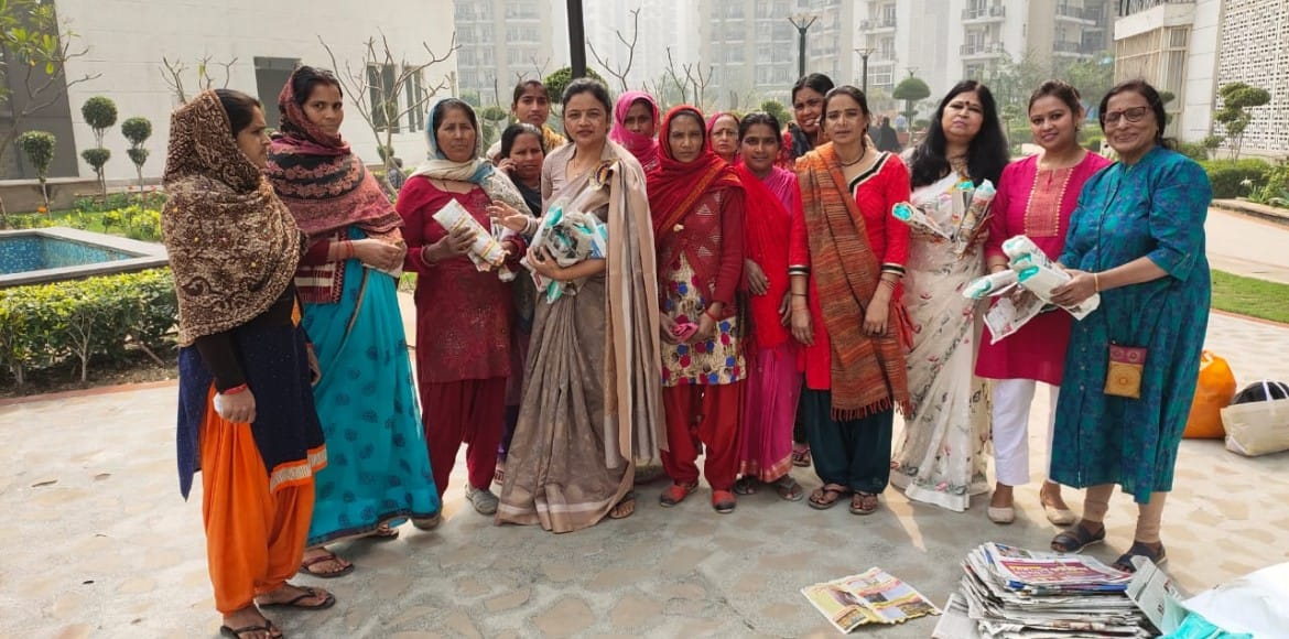 Ladies' Club of Prateek Wisteria distributes sanitary pads among housekeeping
