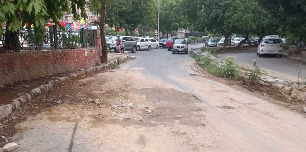 Dwarka: Big pothole puts bikers at risk on slip road near Ashirvad Chowk