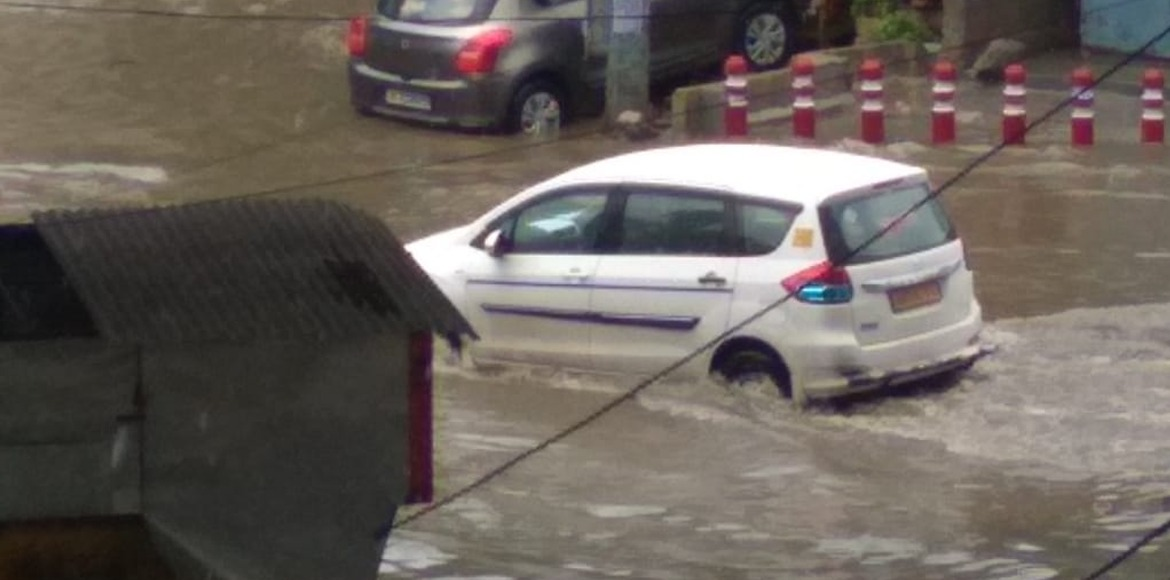 Heavy rains cause water logging at many places in