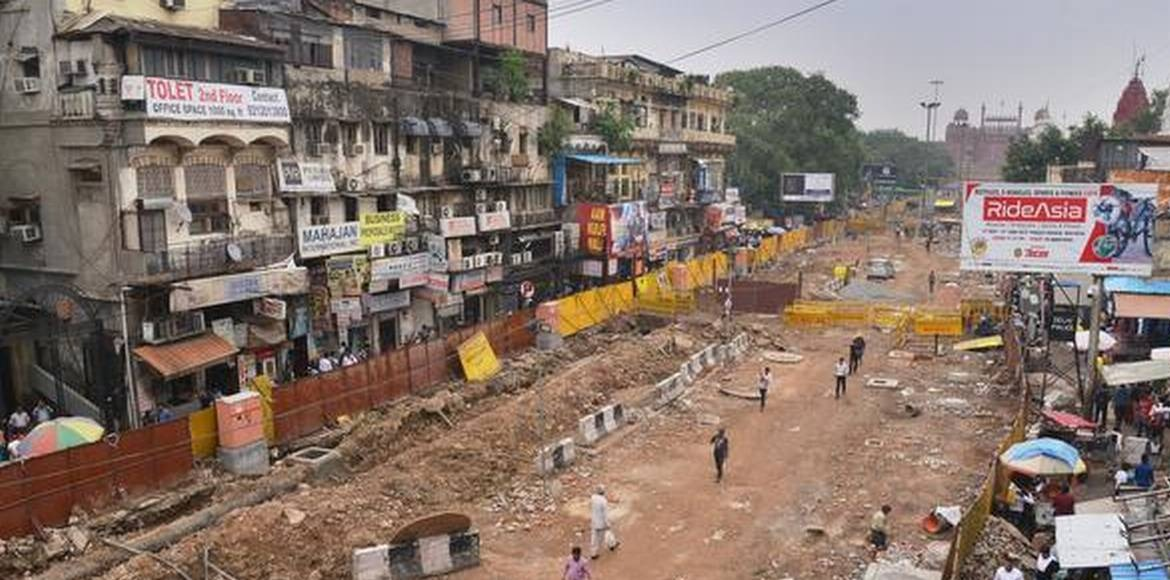 Kejriwal inspects redevelopment work at Chandani Chowk