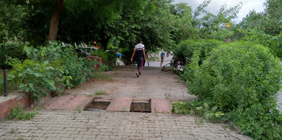 Missing drain covers on footpaths risk imminent danger in Dwarka
