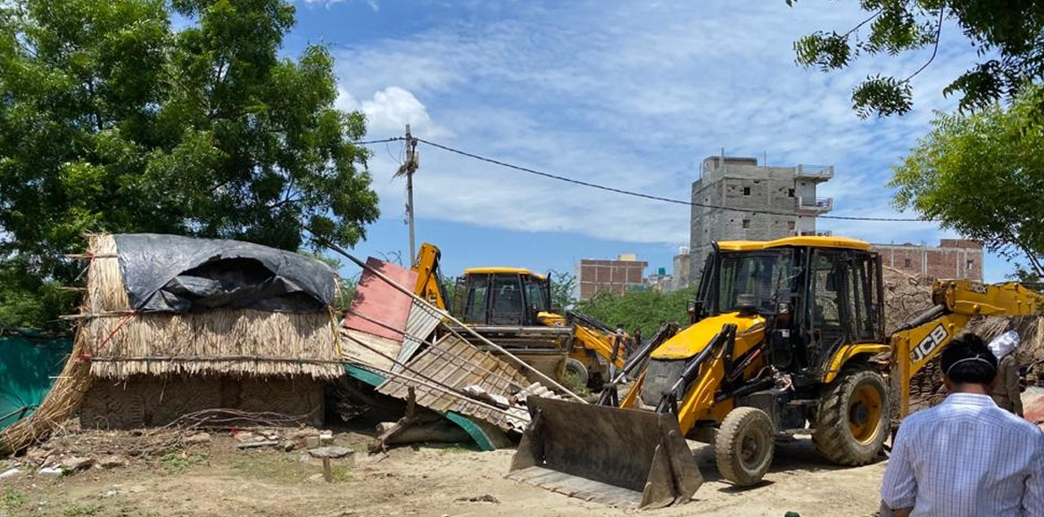 Noida Authority clears up land worth Rs 30 crore in demolition drive