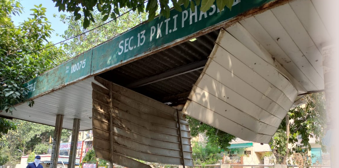 Dwarka: Bus shelter in deplorable condition at Sec 13