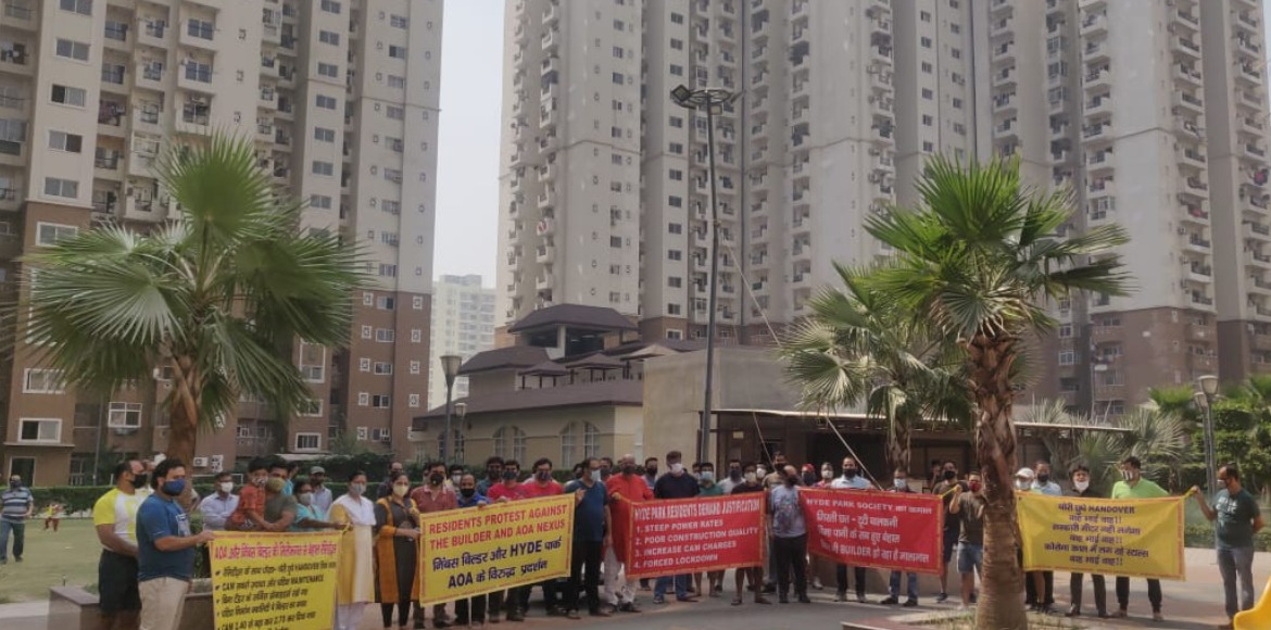 Hyde Park: Residents protest against AOA alleging lack of proper facilities