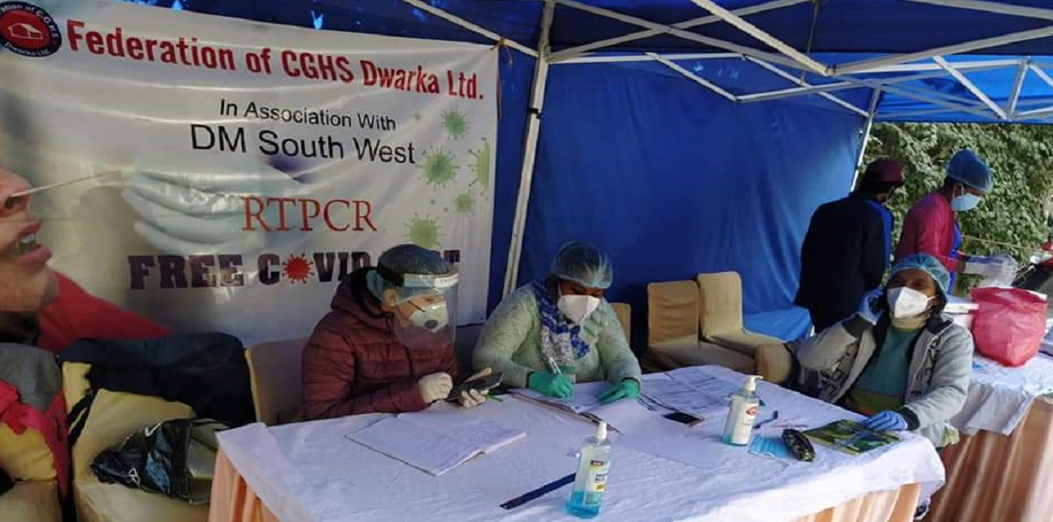 Community people support admin in RTPCR test campaign in Dwarka