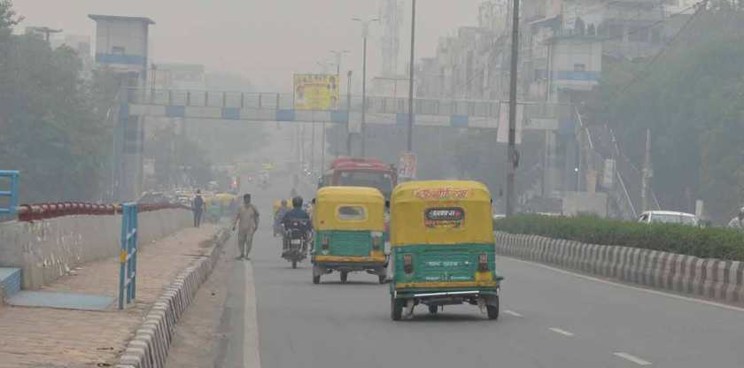 Smog-filled morning witnessed in parts of Delhi today