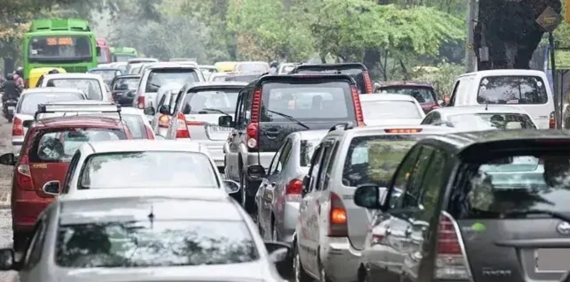 Delhi: 205 challans issued to vehicles without HSRPs, stickers