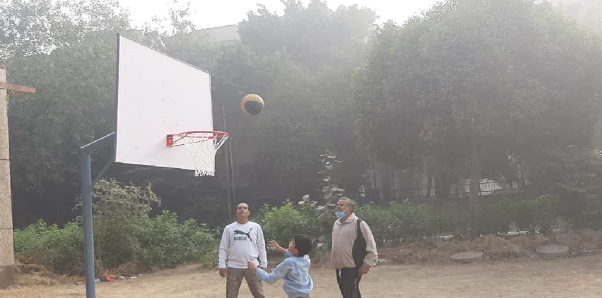 Noida: Residents convert vacant plot into basketba