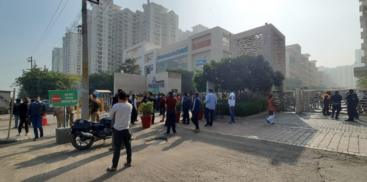 Mahagun Moderne: Residents protest against replacement of security agency